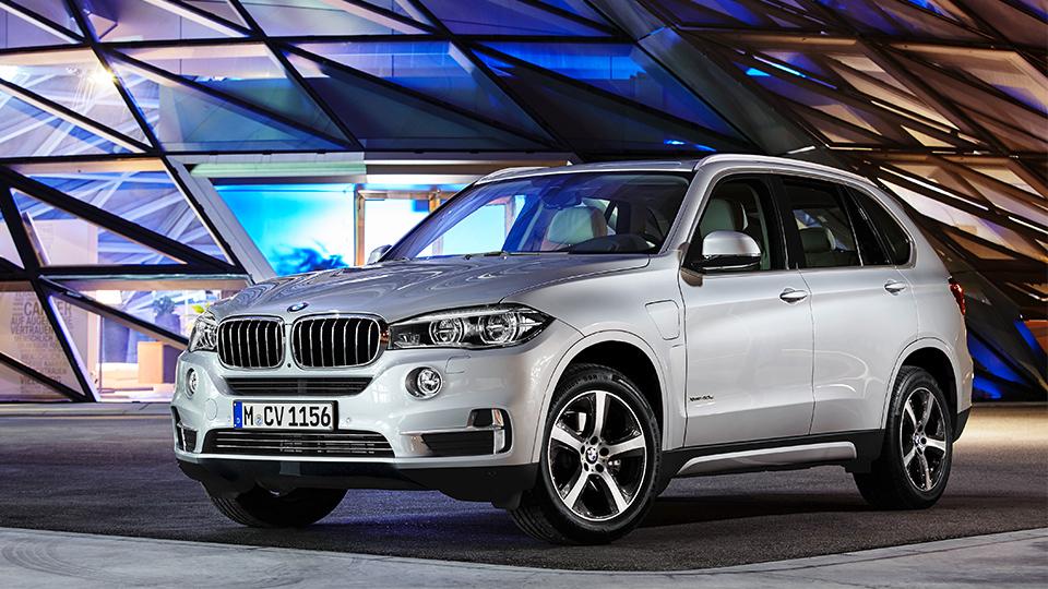 Внедорожник BMW X5 стал гибридным