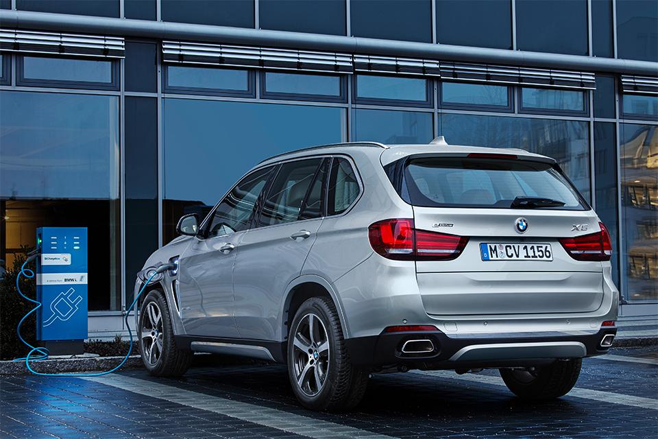 BMW X5 xDrive40e сможет проехать на электротяге 31 километр. Фото 2