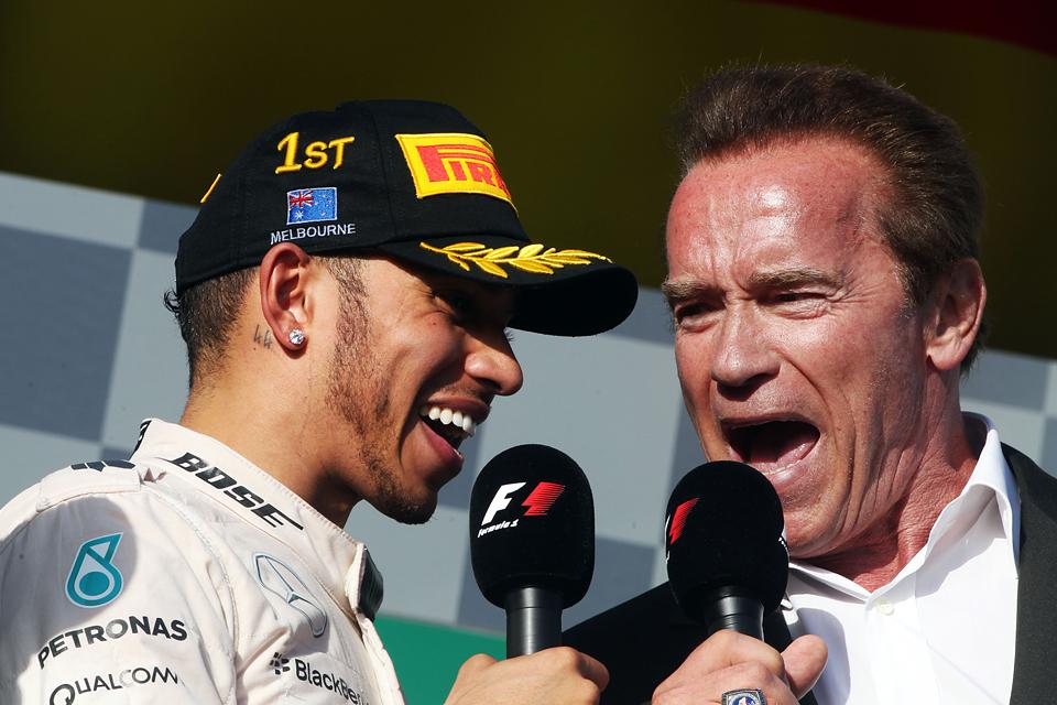 Mercedes AMG в доминирующем стиле  выиграла Гран-при Австралии. Фото 2
