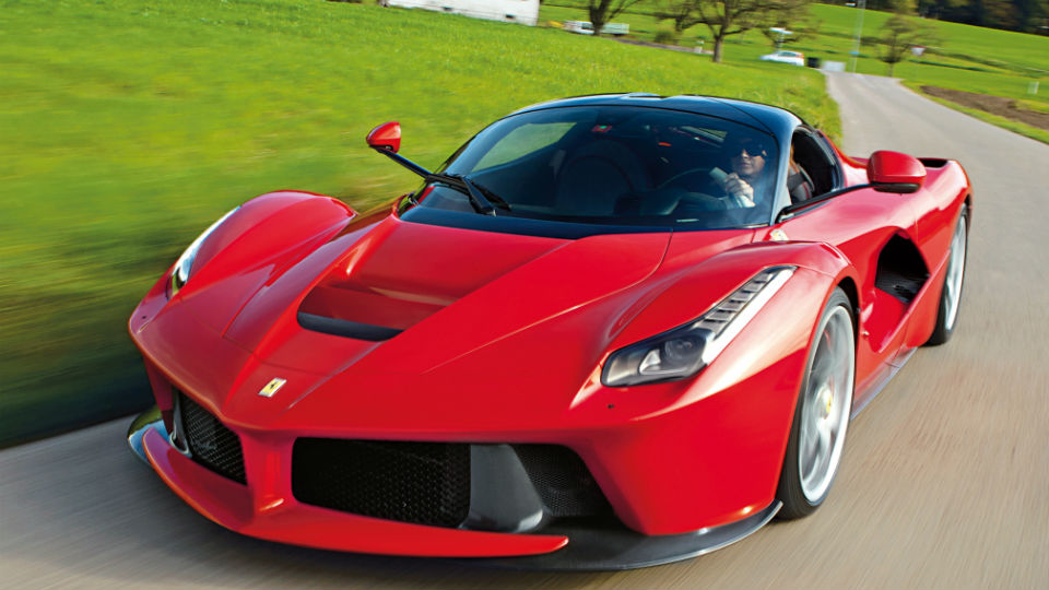 СМИ сообщили об отзыве всех Ferrari LaFerrari