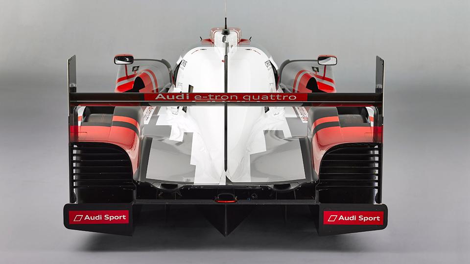 Команда представила новую машину для гонок на выносливость. Фото 2