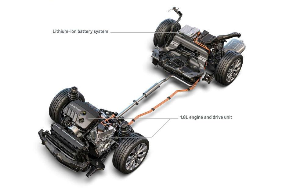 Седан получит модифицированную силовую установку от модели Volt