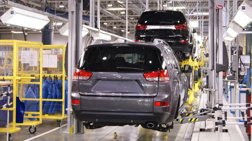 Российский завод Peugeot Citroen и Mitsubishi приостановит выпуск машин