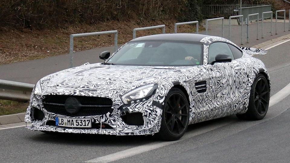 «Мерседес» вывел на тесты экстремальный AMG GT