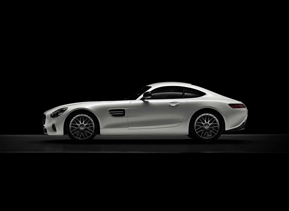 Немцы выпустили масштабные модели купе Mercedes-AMG GT . Фото 2