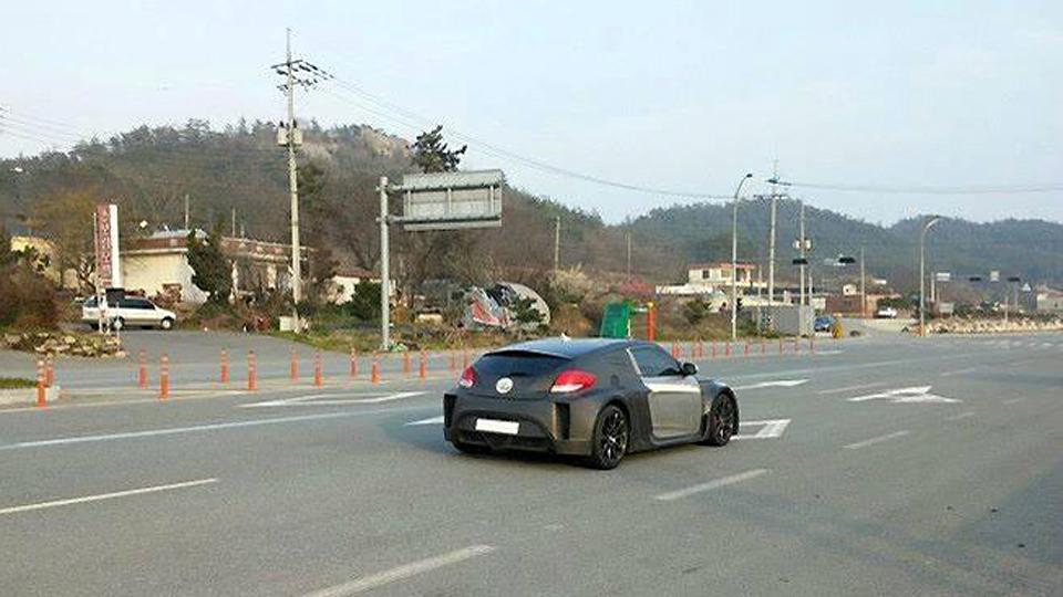Прототип «заряженного» хэтчбека сфотографировали на испытаниях в Корее