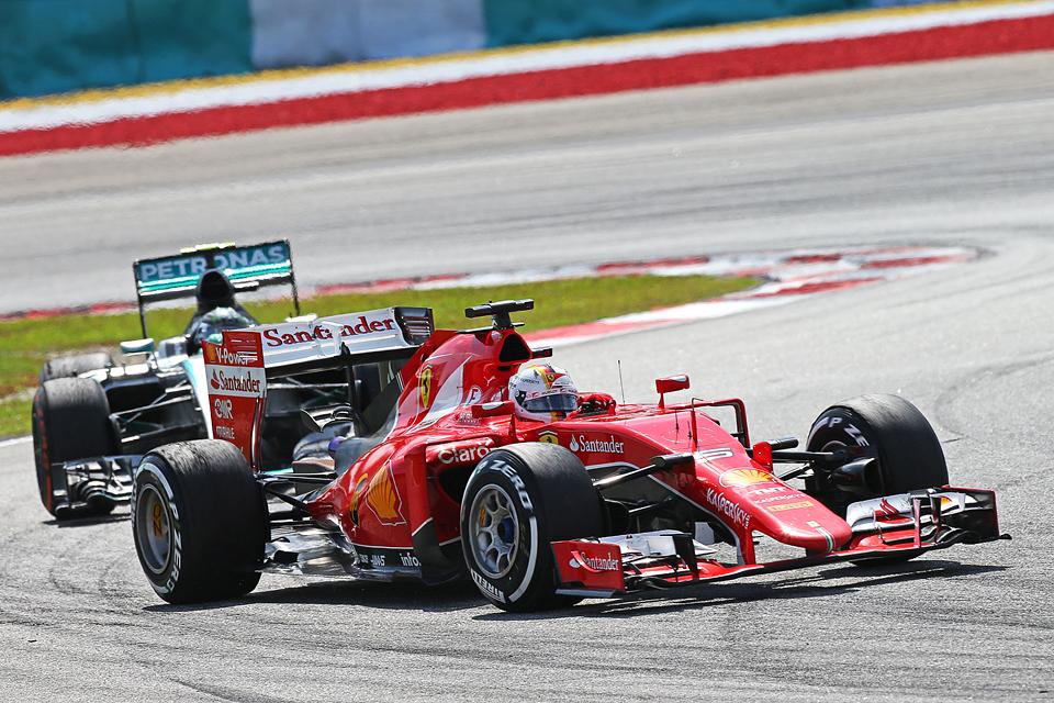 Себастьян Феттель и Ferrari одержали первую победу вместе. Фото 5