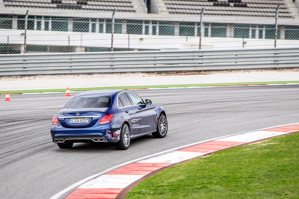 Встречайте новый Mercedes C 63 AMG, его версию S и полноприводный C 450. Фото 6