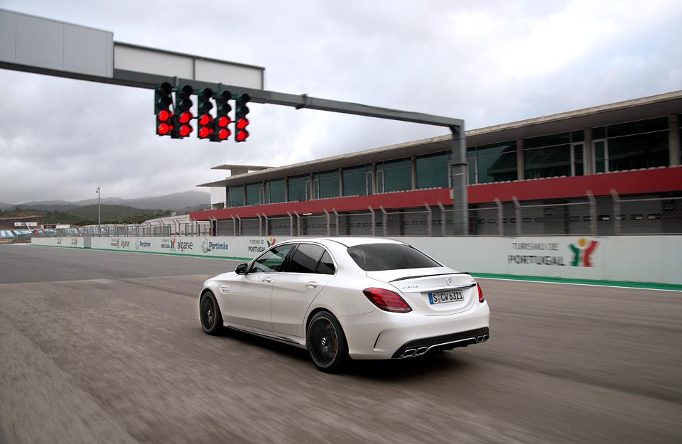 Встречайте новый Mercedes C 63 AMG, его версию S и полноприводный C 450. Фото 12