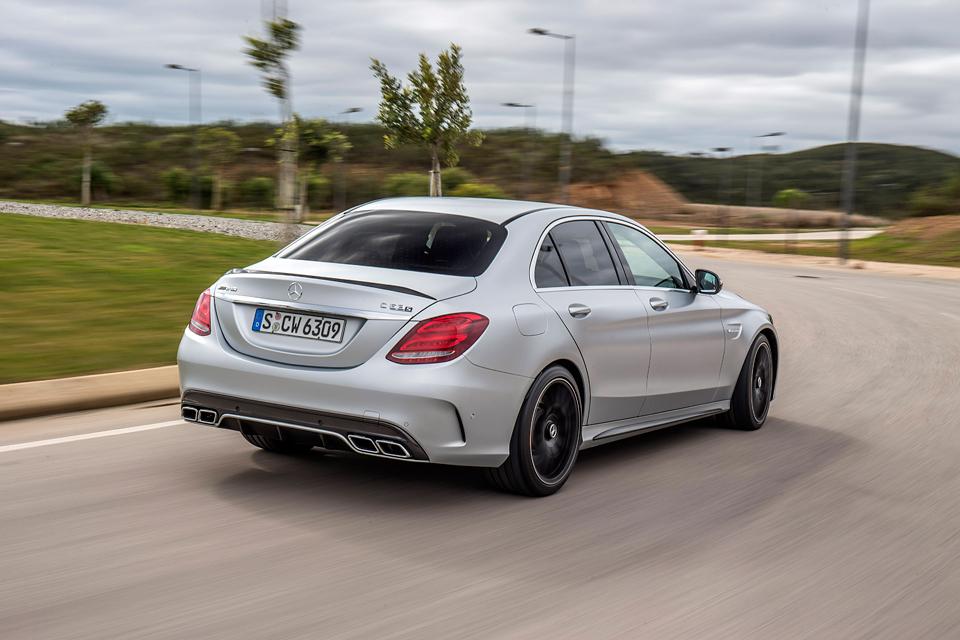 Встречайте новый Mercedes C 63 AMG, его версию S и полноприводный C 450. Фото 2