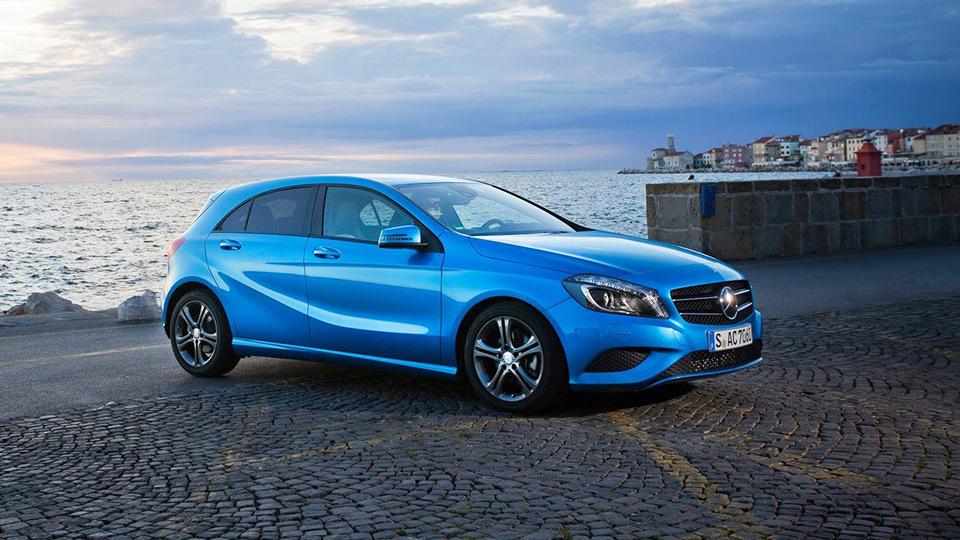 Mercedes-Benz стал лидером по выручке в России