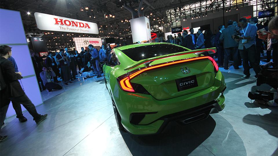 Honda Civic десятого поколения представят осенью