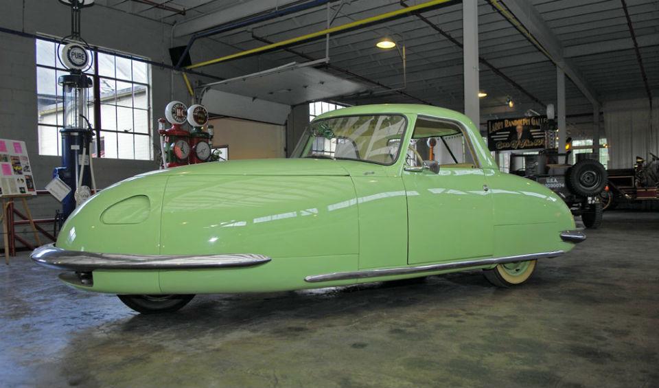 Компания New Davis Motorcar Company выпустит сверхлегкий автомобиль с автопилотом