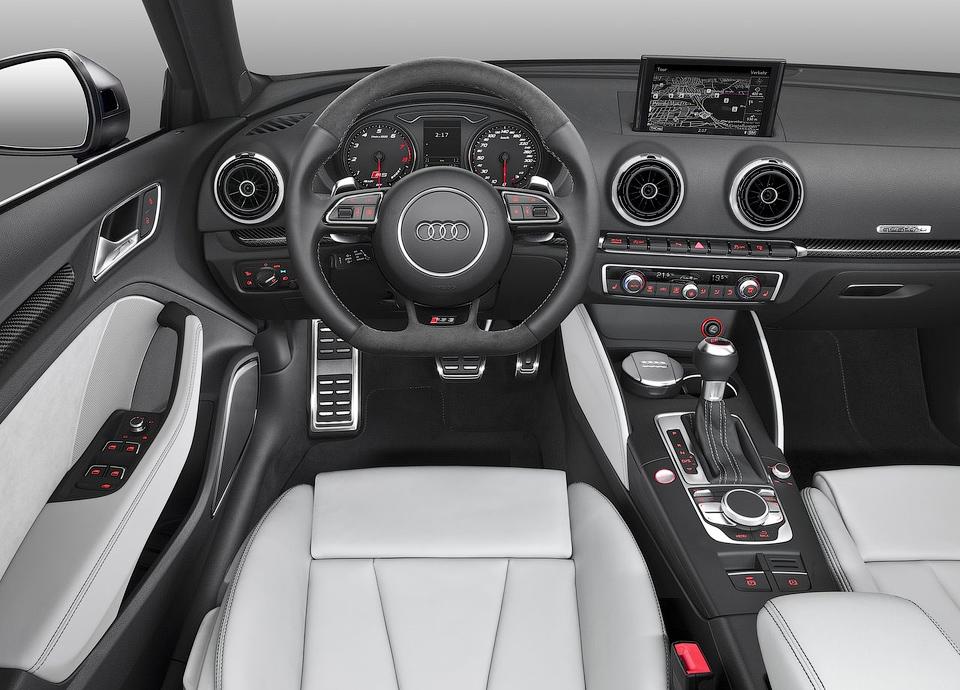 367-сильный Audi RS3 будут поставлять по индивидуальным заказам. Фото 2