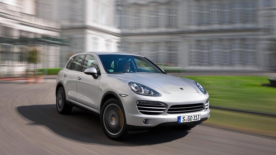 Porsche отправит в сервис российские Cayenne и Panamera