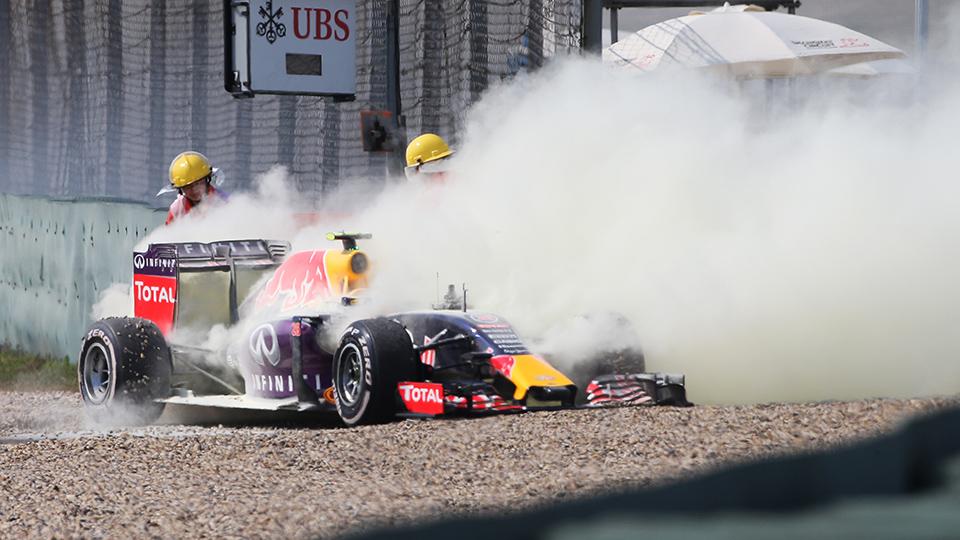 Пилоты Mercedes AMG финишировали на первом и втором местах в Шанхае