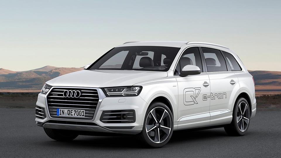 Гибридный Audi Q7 получит беспроводную зарядку