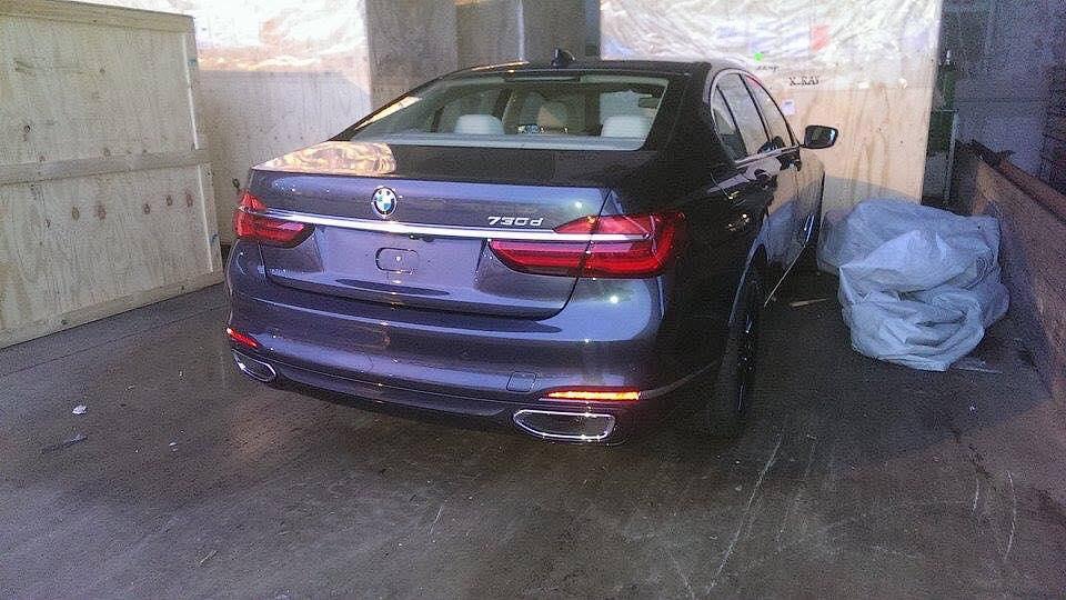 В Сети частично раскрыли интерьер новой «семерки» BMW