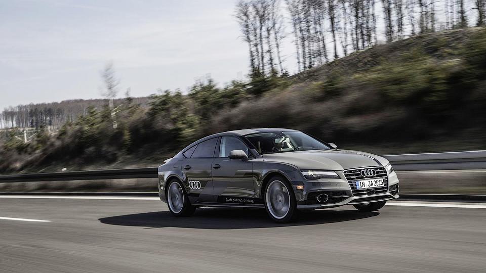 Министр транспорта Германии испытал автопилот Audi
