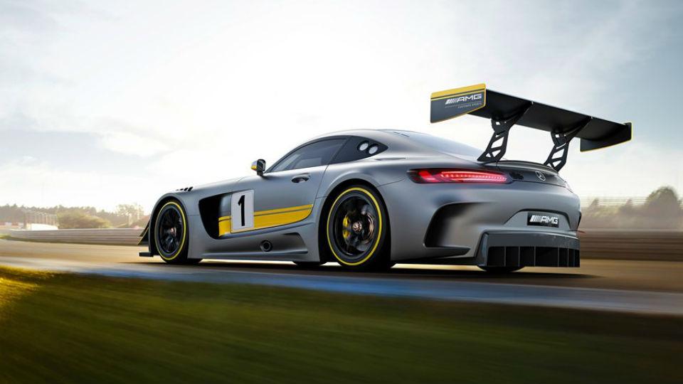 «Мерседес» вывел на Нюрбургринг новый гоночный суперкар