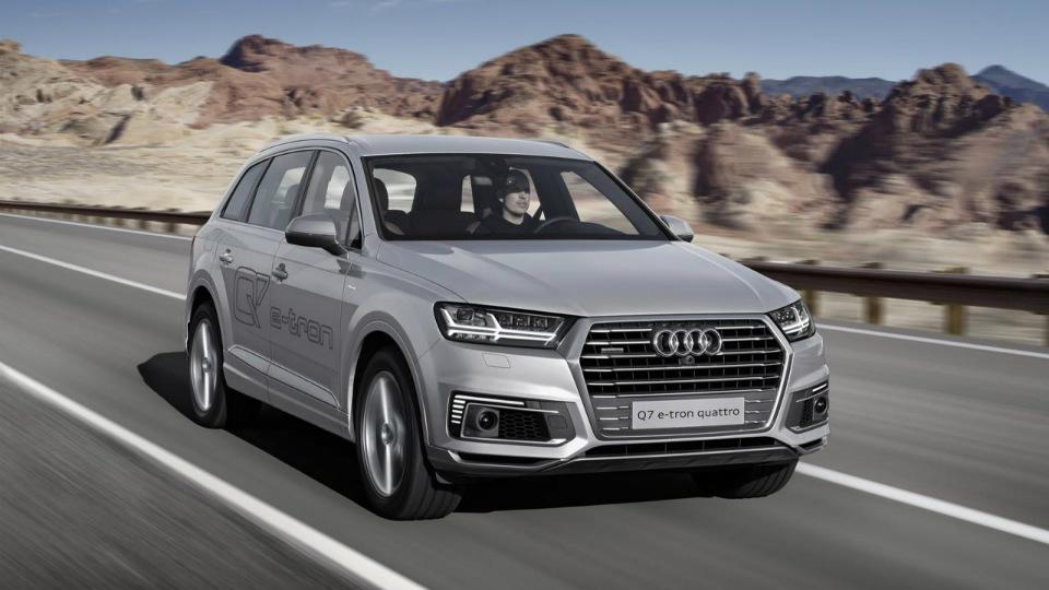 В Audi придумали новую гибридную силовую установку для Q7