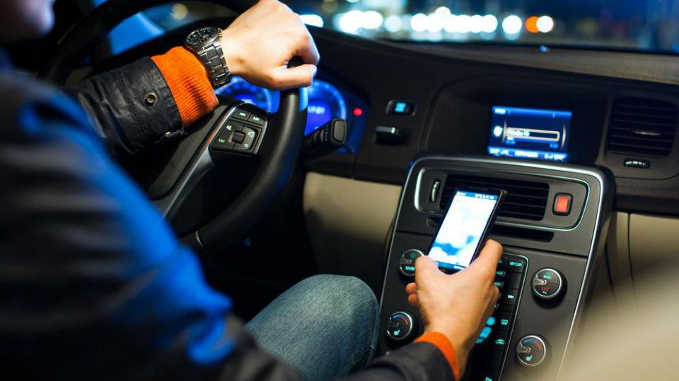 Hyundai научит свои машины «глушить» мобильники в салоне