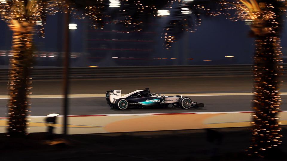 Хэмилтон и Феттель стартуют с первого ряда Гран-при Бахрейна