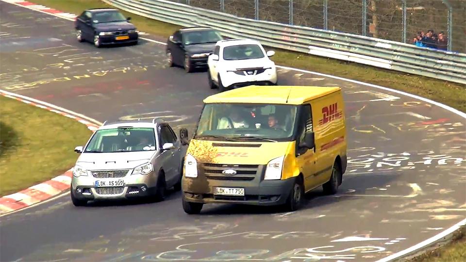 Странные машины Нюрбургринга объединили в видеоподборку