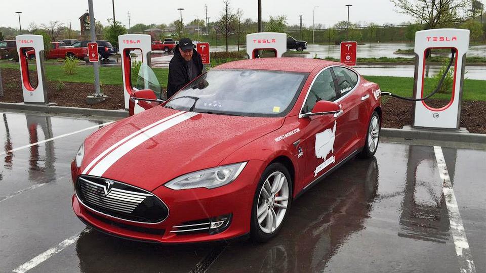 «Тесла» пересекла США за рекордный срок