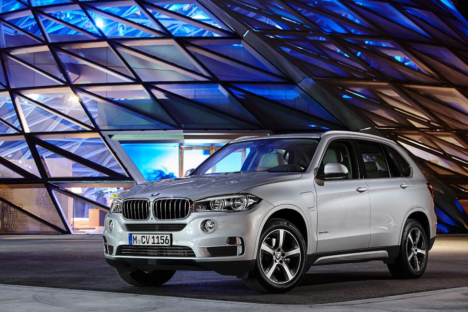 Как BMW собирается навалять самому популярному производителю электрокаров. Фото 8