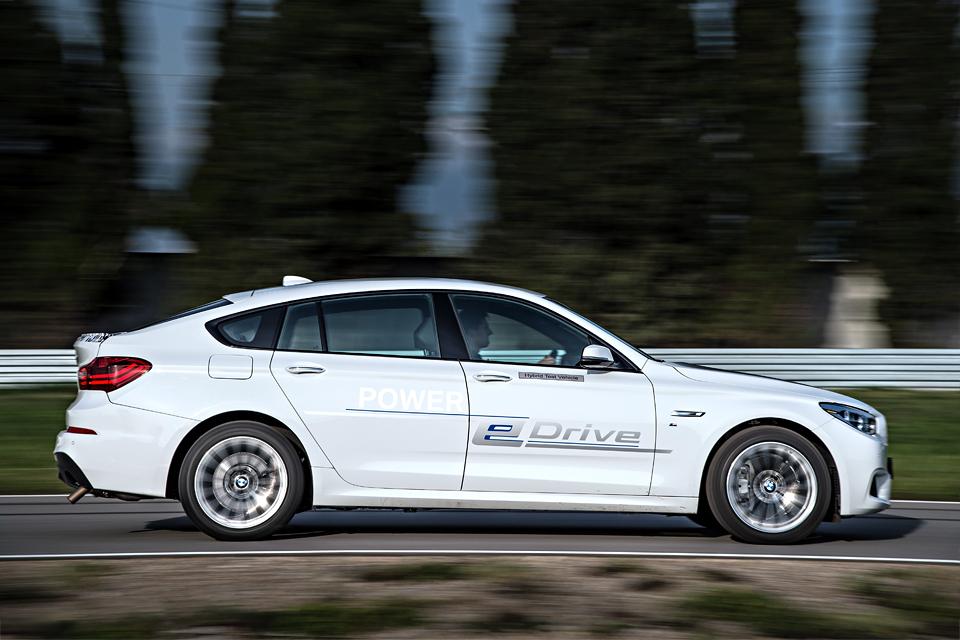 Как BMW собирается навалять самому популярному производителю электрокаров. Фото 1