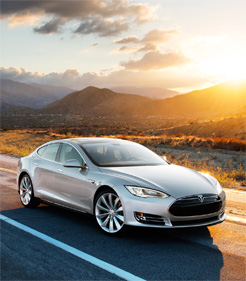 Как BMW собирается навалять самому популярному производителю электрокаров