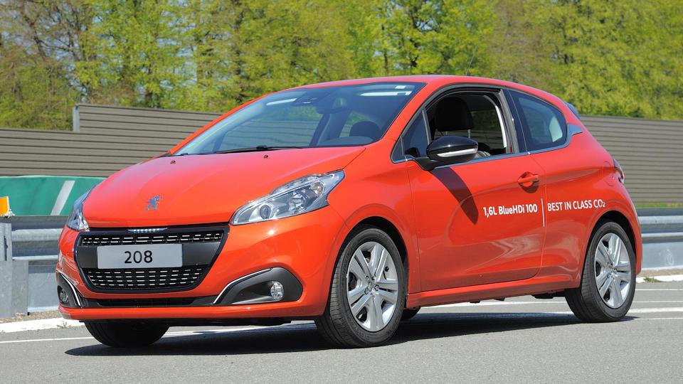 Peugeot 208 установил рекорд экономичности
