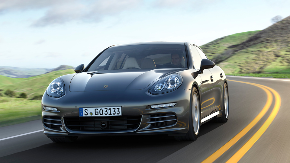 Porsche научит машины самостоятельно проходить повороты