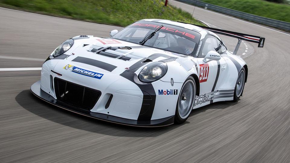 Компания Porsche добавила мощности гоночному 911