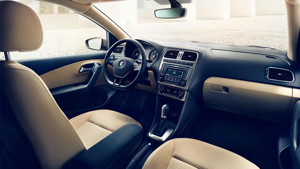 У бюджетного седана VW изменился дизайн экстерьера