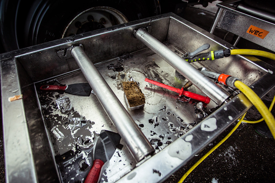 «Мотор» насвоей шкуре узнал, как работают механики гоночной команды. Фото 48