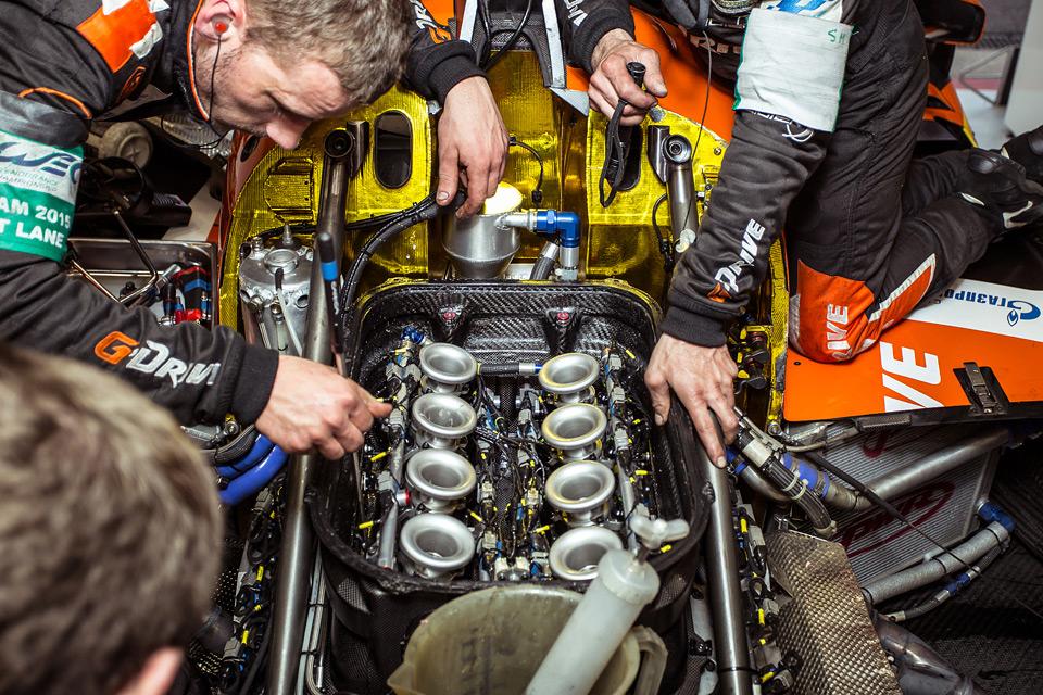 «Мотор» насвоей шкуре узнал, как работают механики гоночной команды. Фото 44