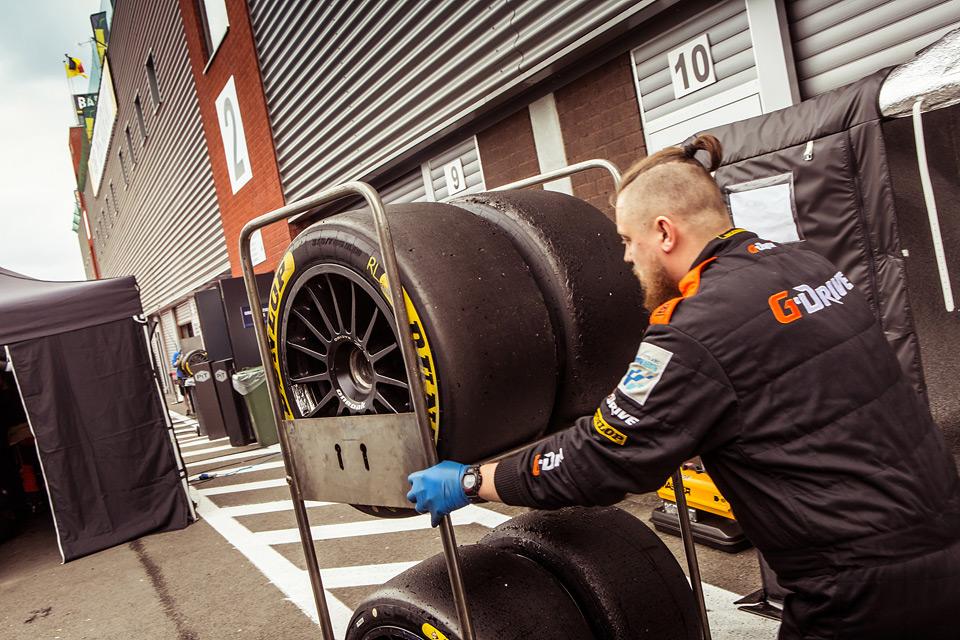 «Мотор» насвоей шкуре узнал, как работают механики гоночной команды. Фото 41