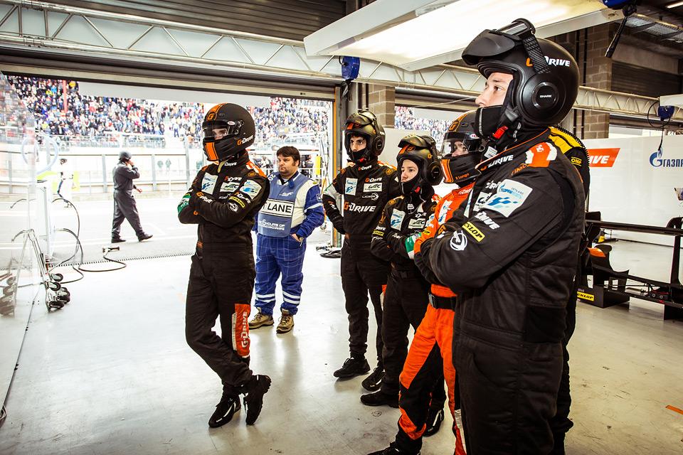 «Мотор» насвоей шкуре узнал, как работают механики гоночной команды. Фото 40