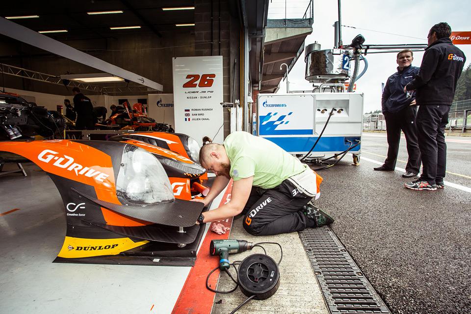 «Мотор» насвоей шкуре узнал, как работают механики гоночной команды. Фото 31