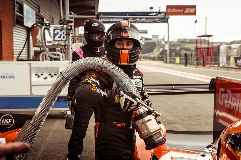 «Мотор» насвоей шкуре узнал, как работают механики гоночной команды. Фото 16