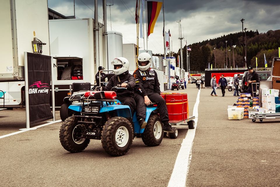 «Мотор» насвоей шкуре узнал, как работают механики гоночной команды. Фото 12