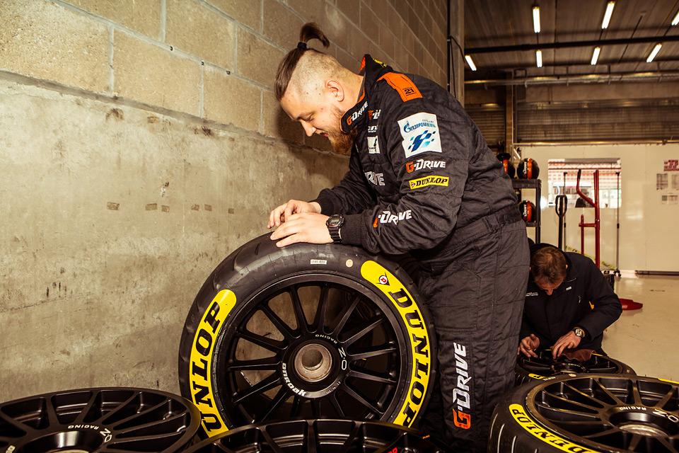 «Мотор» насвоей шкуре узнал, как работают механики гоночной команды. Фото 9
