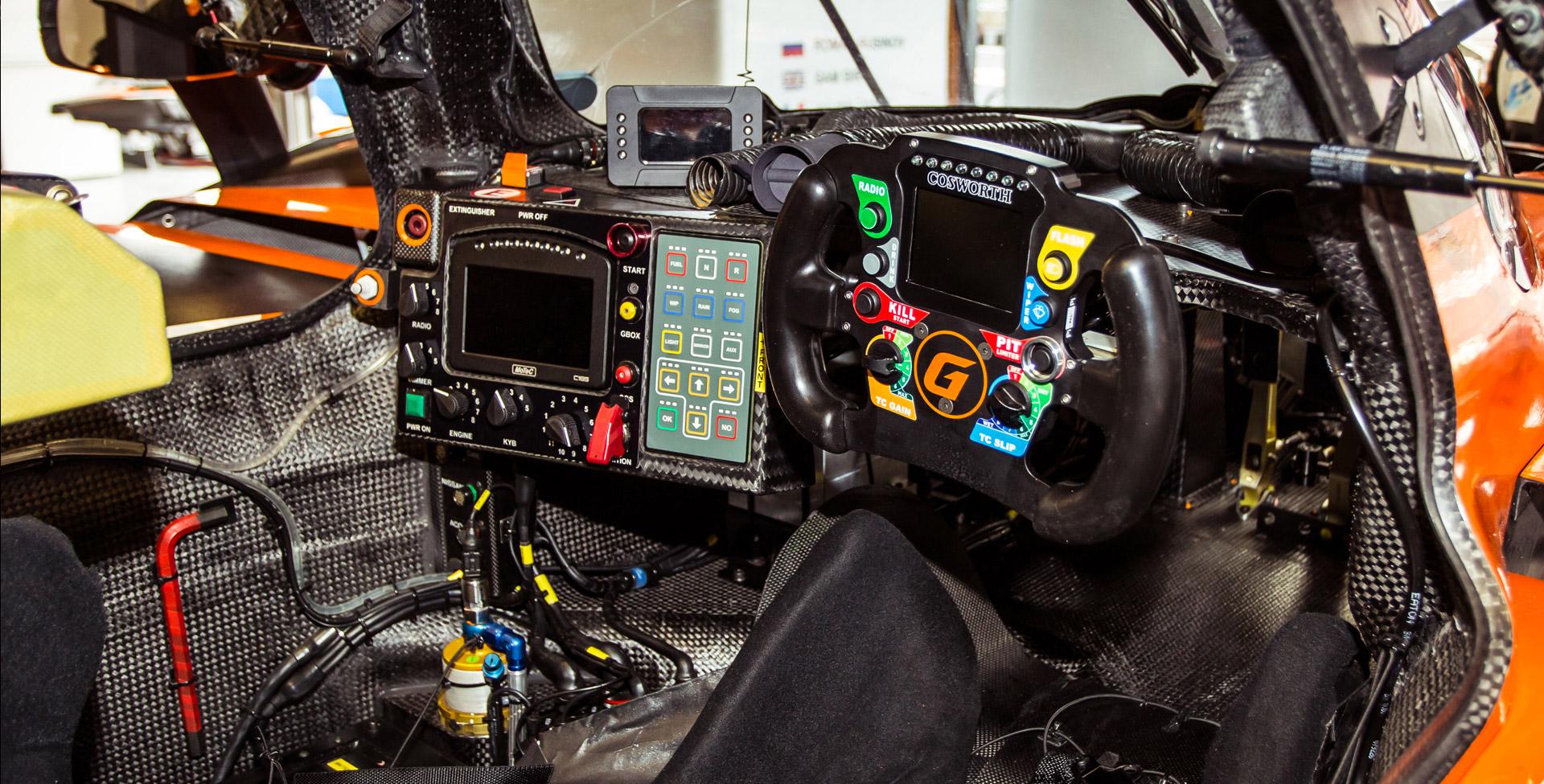 «Мотор» насвоей шкуре узнал, как работают механики гоночной команды. Фото 3