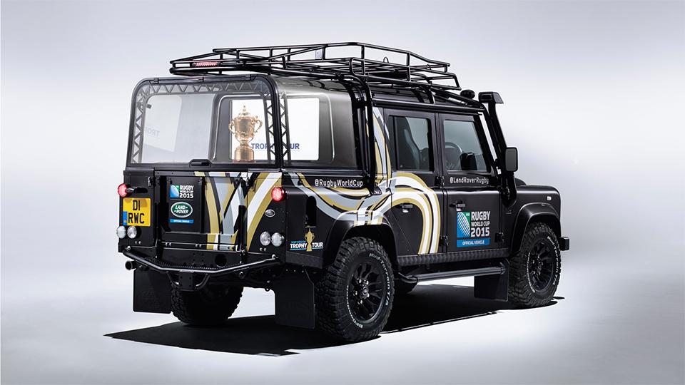 Land Rover встроил в Defender отсек для перевозки трофеев