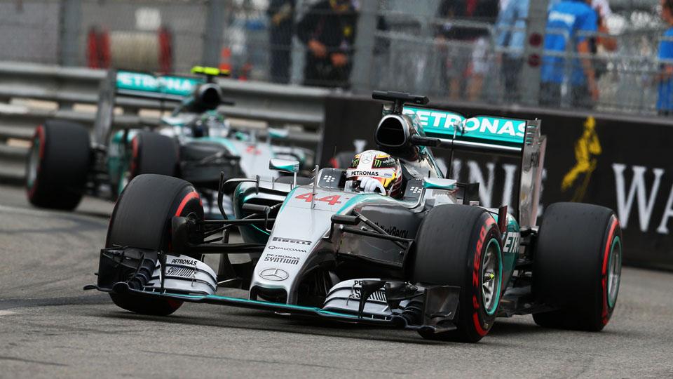 Ошибка команды лишила Хэмилтона победы в Монако
