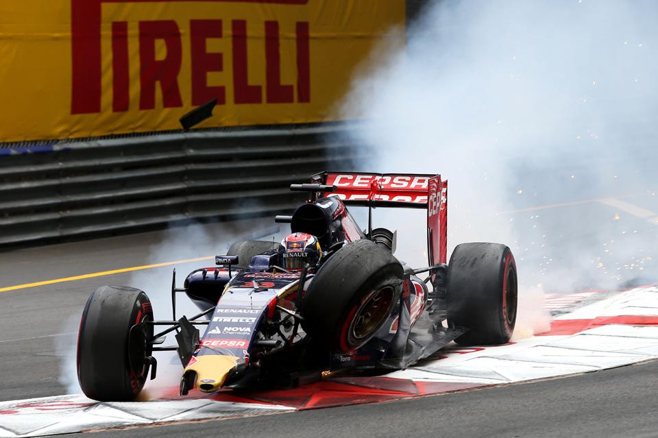 Как ошибка стратегов Mercedes позволила выиграть гонку Нико Росбергу. Фото 5