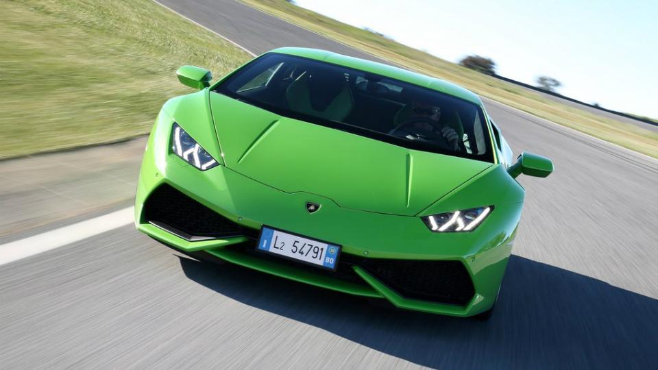 Audi R8 и Lamborghini Huracan для КНР лишатся половины цилиндров