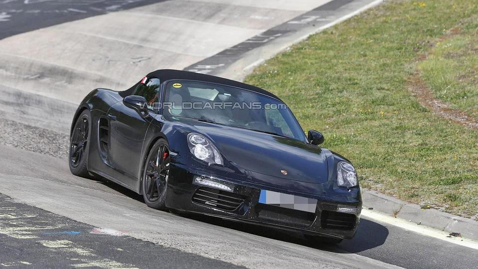 Компания Porsche вывела на Нюрбургринг обновленный Boxster